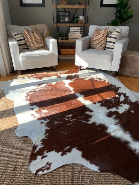 A-1367 Brown and White Speckled Cowhide Rug Size: 8' X 7' *HUGE*