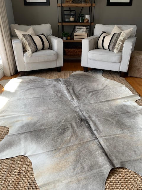 A-1389 Grey Cowhide Rug Size: 8 1/4' X 6 1/4'