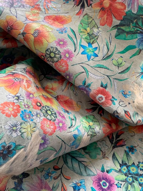 A-1452 Floral Acid Washed Cowhide Rug Size: 7 3/4' X 6 1/2'