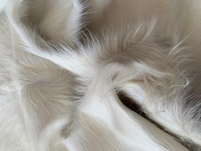 A-1460 Cream Cowhide Rug Size: 7 1/2' X 7'